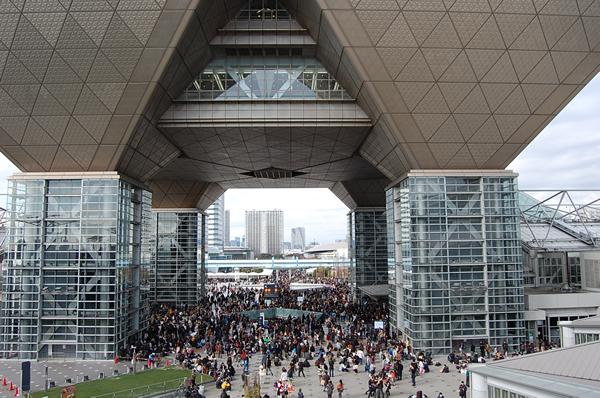 【C94コミケ】8/11 2日目 夕方の美少女レイヤーさん ツイート