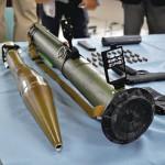 【画像】福岡のヤクザの家にあった武器wwww